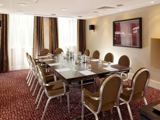 London   Trafalgar room image 1