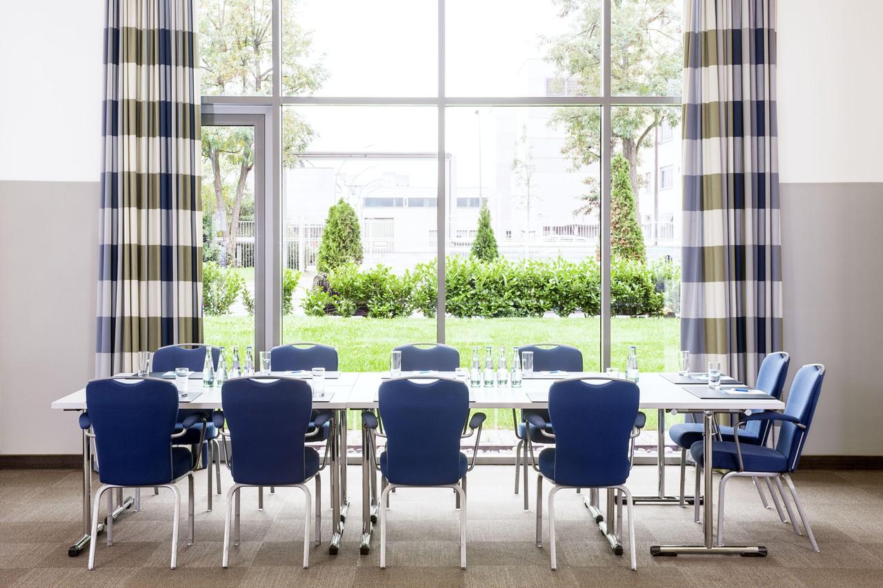 Francfort   Meeting Room 2 image 1