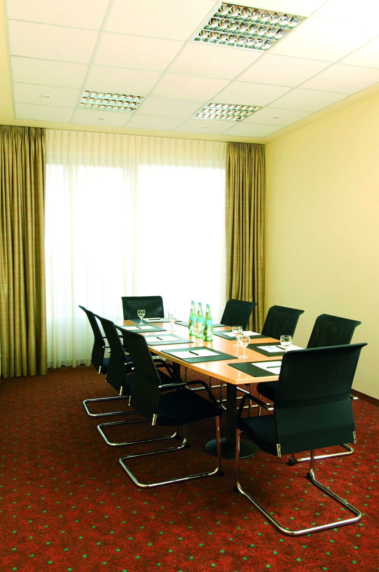 Leipzig   Meeting Room 1 image 1