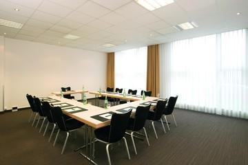Dresden   Meeting Room 1 image 1