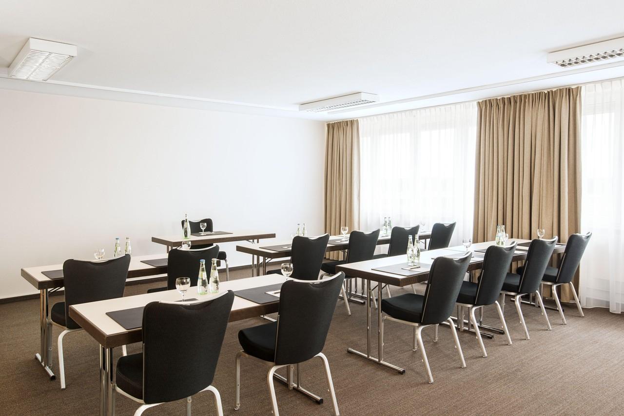 Rest der Welt   Meeting Room 1 image 1