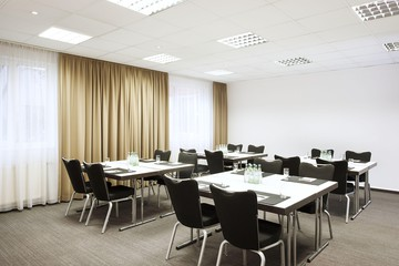 Munich   Meeting Room 2 image 1
