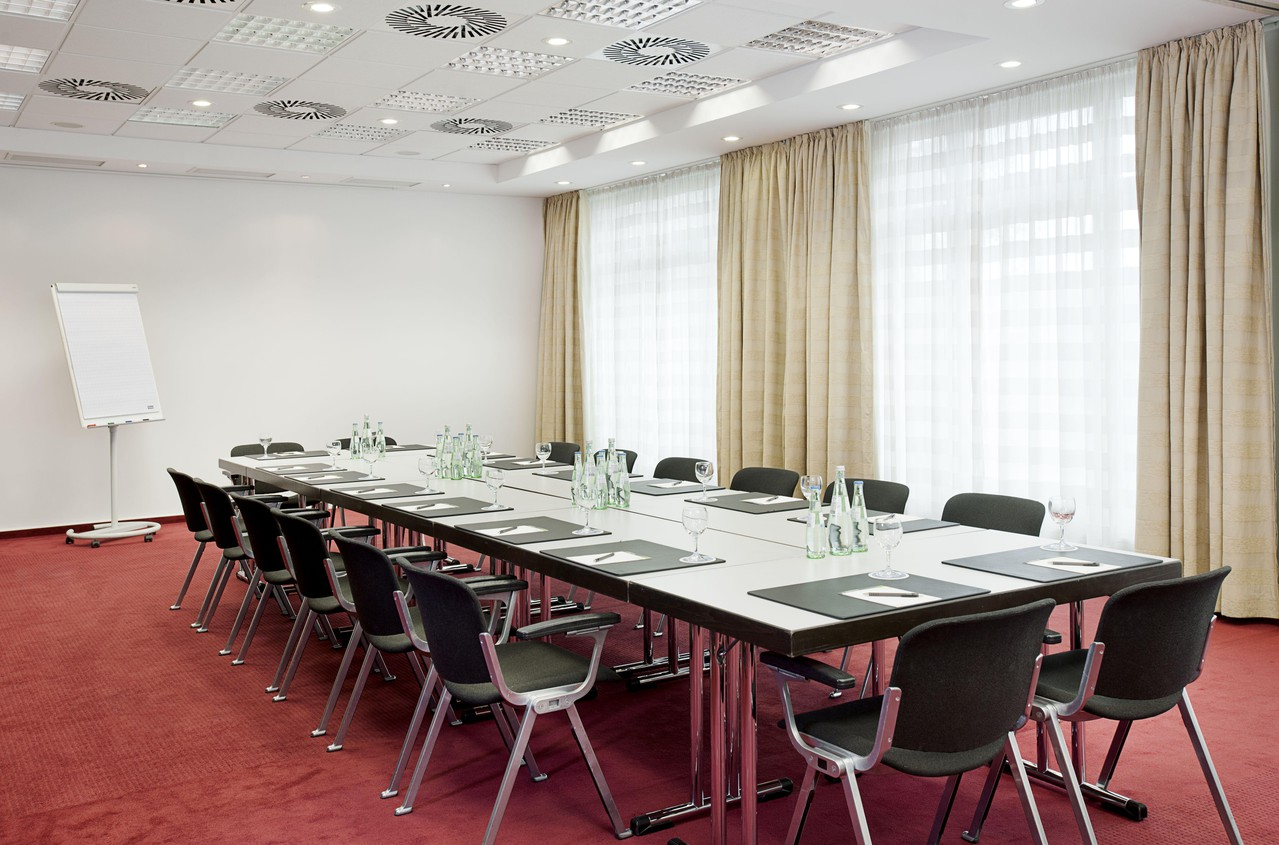 Nürnberg   Meeting Room 2 image 1