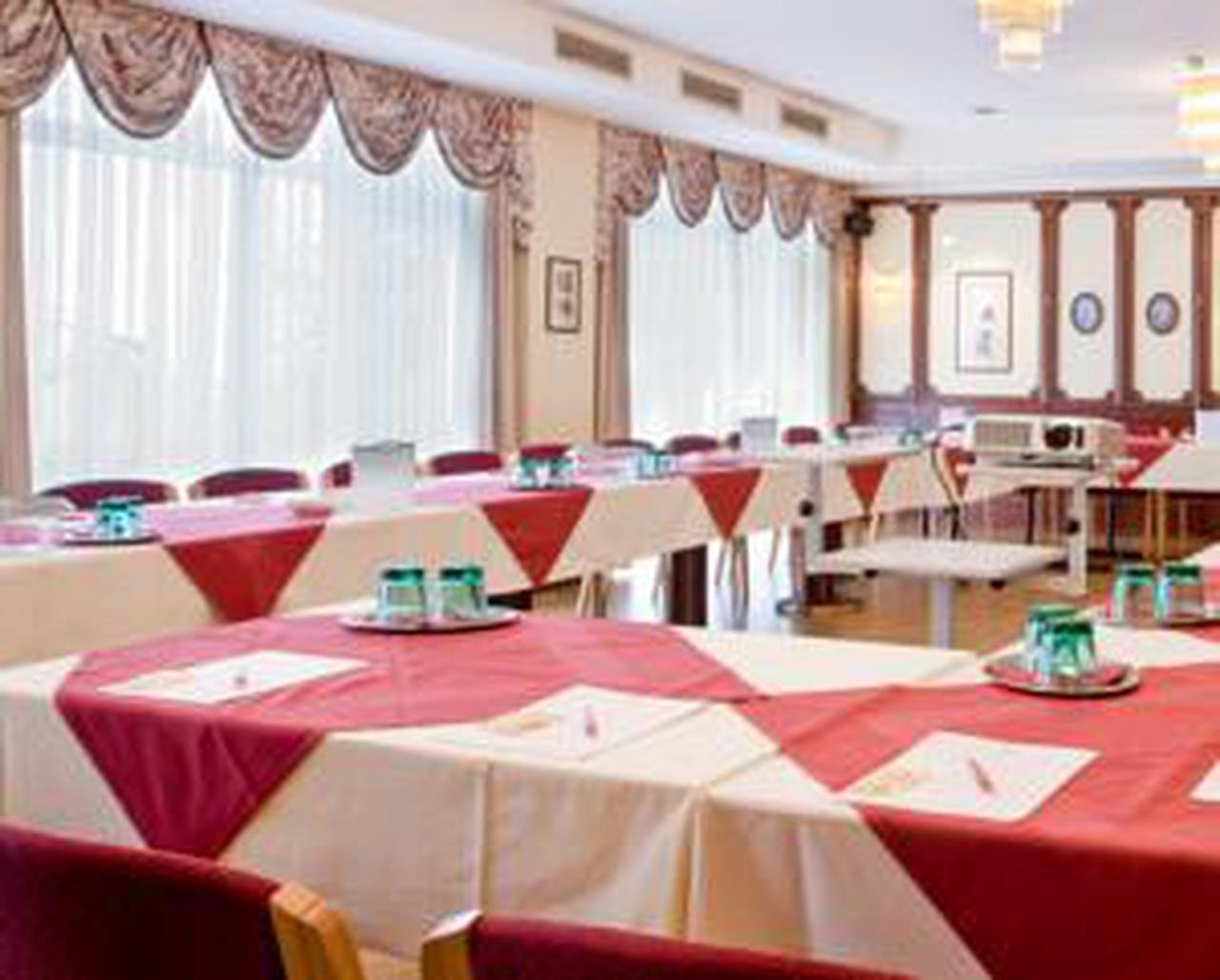 Vienna   Cordial Salon image 1