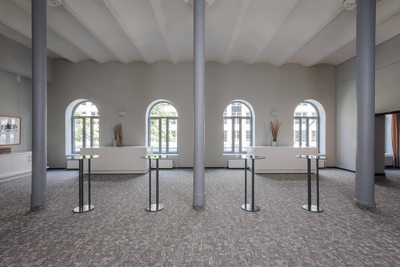 Berlin   Foyer image 1